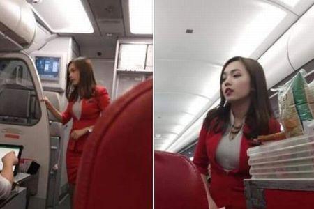 乗客が撮影した美しいスチュワーデスの写真、投稿後にネットで拡散し話題に