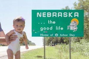 生後5カ月の女の子がまさかのギネス記録更新、それを証明する写真がかわいい