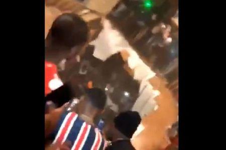 米のクラブハウスで突然床が崩落、人々が穴に飲み込まれていく映像が恐ろしい