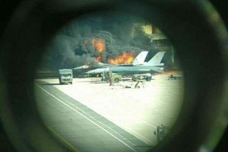 戦闘機の整備中に作業員が誤ってバルカン砲を発射、F16が破壊される事態に