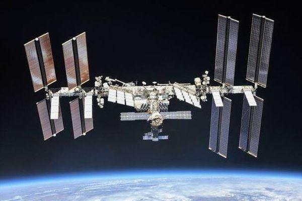 国際宇宙ステーション内で感染性のバクテリアを発見、NASAが監視を続ける