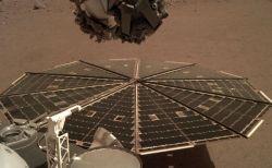 NASAが実際の火星の音を初めて公開、火星探査機「インサイト」がとらえる