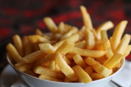一食分で食べてよいフライドポテトの数はたったの6本?専門家の見解に炎上