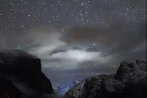 雲が晴れて夜空に無数の星が瞬く…ヨセミテ国立公園で撮影された動画が美しい