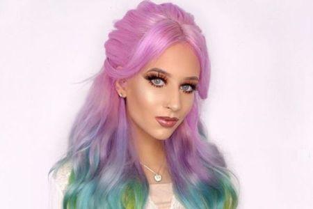 七色に輝く美しい髪をした女性、インスタグラムで30万人フォロワーを達成