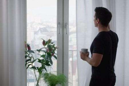 設置するだけで部屋の空気が綺麗になる!「IKEA」が新しいカーテンを開発