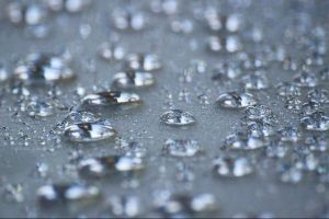 海や川だけじゃない!雨の中にもマイクロプラスチックが含まれていることが判明
