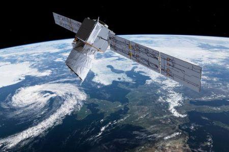 2つの人工衛星が衝突?!欧州宇宙機関が初めて回避行動を実施