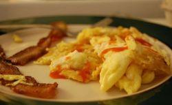世にも奇妙な強盗?他人の家に押し入り、自分で朝食を作って食べていた!