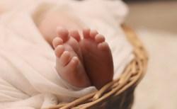 """顔や体に髪の毛が?!スペインで複数の赤ちゃんに""""狼男症候群""""が発症する"""