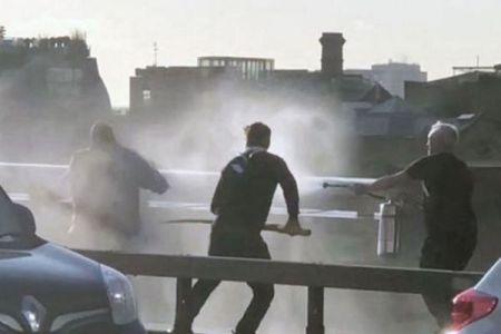 ロンドン橋殺傷事件で犯人と戦った男性、実は5回も刺されていた