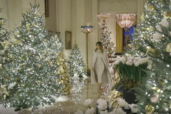 トランプ大統領夫人がホワイトハウスのクリスマスデコレーションを動画で公開