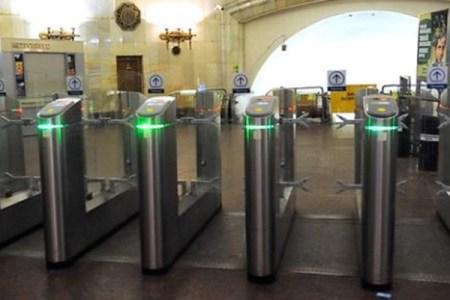 ロシアの鉄道を利用していた乗客、偶然ICカードに3万円以上もチャージされる