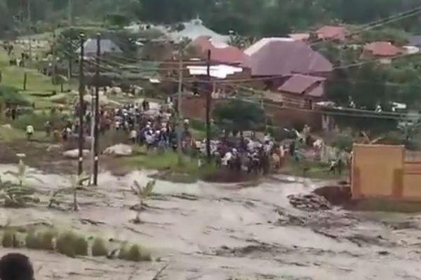 アフリカ東部で大規模な洪水が発生、260人以上が死亡、多くの人々が避難