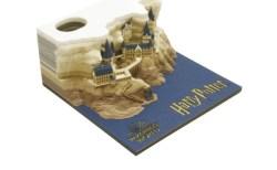 メモパッドを使っていくとハリー・ポッターのホグワーツ城が出現、その精巧さに驚き
