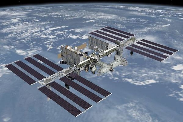 ISS内から空気が漏れ出していることが判明、原因箇所はいまだ特定できず
