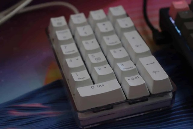 numpad with mechanical switches