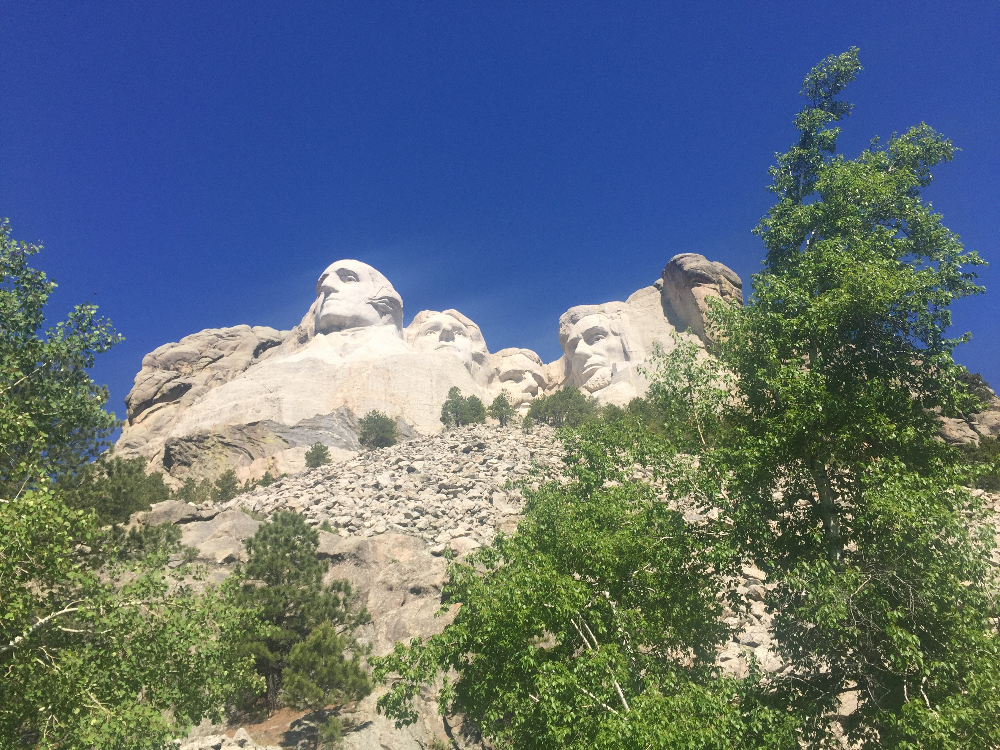 PERFECT 7 DAYS IN SOUTH DAKOTA: ft. Wind Cave, 6 other NPS sites and more!