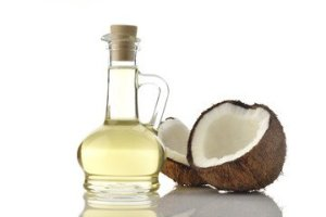 Coconut oil for improving body odor