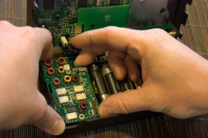 Installing the optional ATU is very simple and requires no special tools or soldering