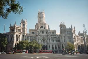 Plaza de Cibeles--MAdrid, Spain (Photo: Wikimedia Commons)