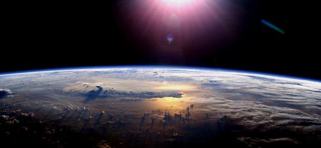 nasa_earthlight