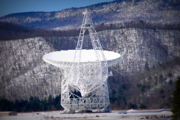 The Green Bank Telescope: An impressive parabolic dish covering 2.3 acres, the GBT has the largest collecting area of any fully-steerable telescope in the world. (Photo: R. Creager, NRAO/AUI/NSF)