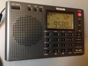 Tecsun-PL-380