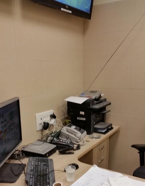 Moshe_Office