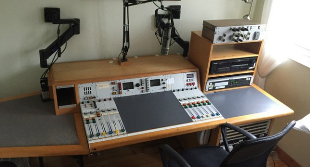 BBC-BushHouse-Desk