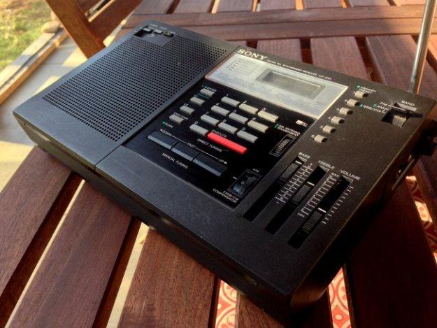 Sony-ICF-2001-7
