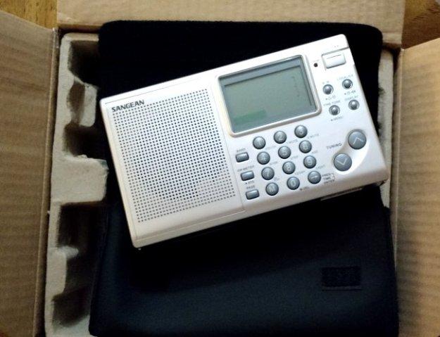 Sangean-ATS-405-OpenBox-3