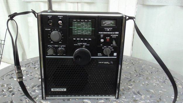Sony Vintage radio ICF 5800H 001