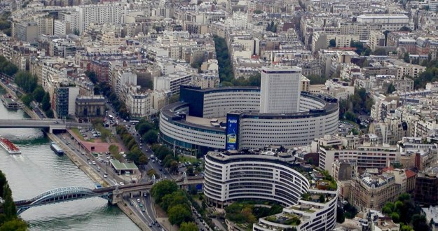 La Masion de la Radio, Paris, France, (Photo source: Gérard Ducher via Wikimedia Commons).