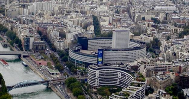 La Masion de la Radio, Paris, France, (Photo source: Gérard Ducher via Wikimedia Commons).
