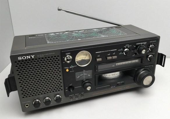 Sony ICF-6800W