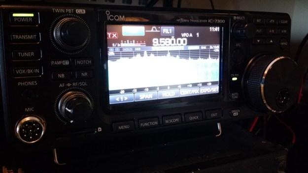 Icom-IC-7300-Front