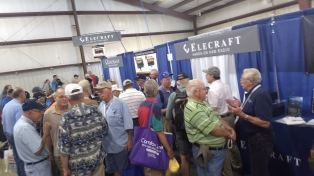 2017 Hamvention Inside Exhibits - 1 of 132 (114)