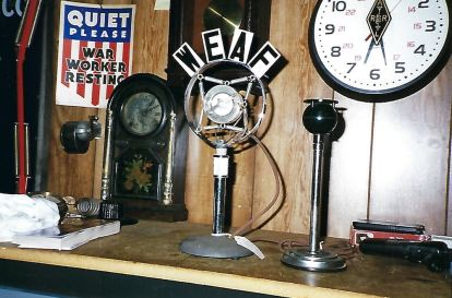 Antique Wireless Association Photos 2000 - 7