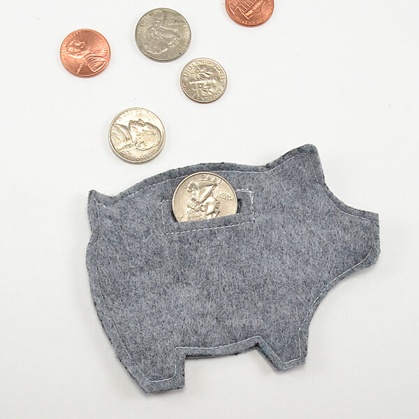 003-felt-piggy-bank-pattern-dreamalittlebigger