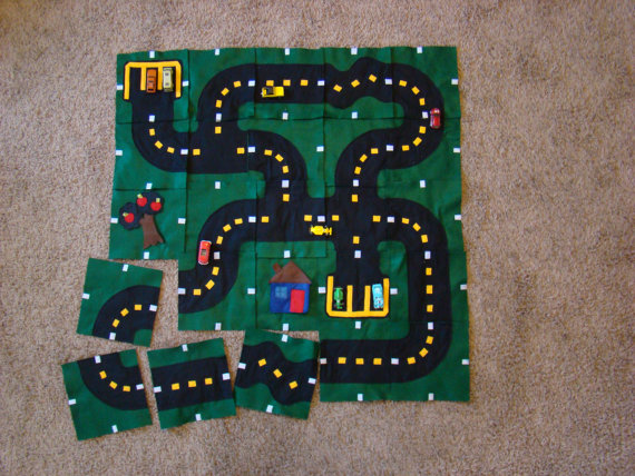 Car play mat puzzle pattern