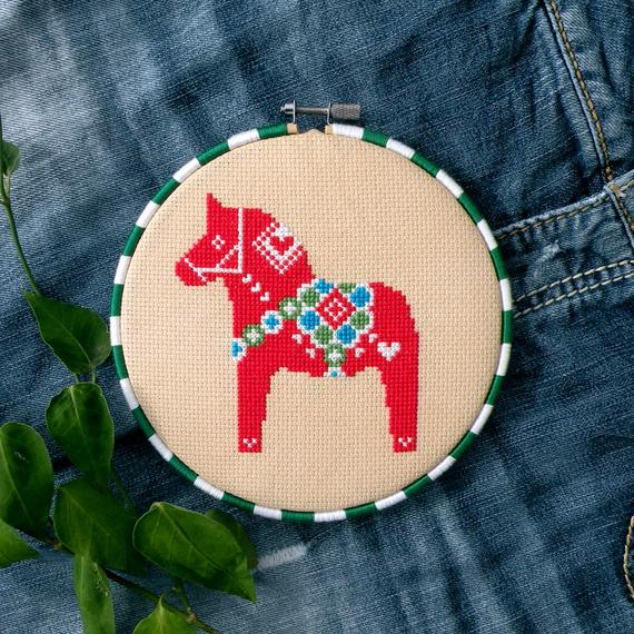 christmas dala horse cross stitch pattern