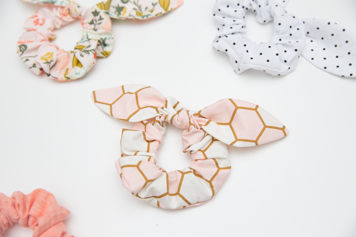 knot scrunchie pattern