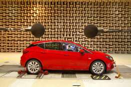 Opel-Astra-Acoustic-Lab-1