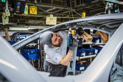 production-start-for-opel-flagship-the-new-insignia_12