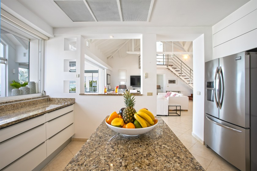 kitchen with bowl of fruit at villa allegra