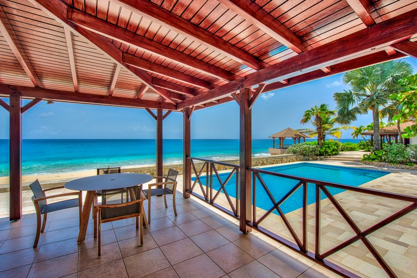 18-BlueBeach-OutdoorSeating