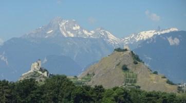 Sion - Burgen auf Felshügeln