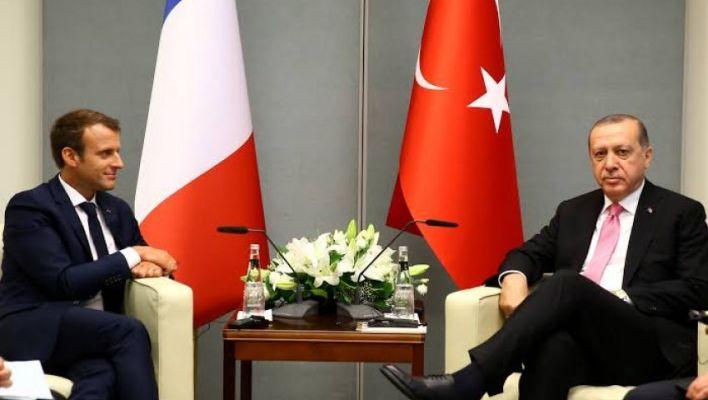 مع الرئيس الفرنسي إيمانويل - الرئيس أردوغان يجري..مكالمة هاتفية مع الرئيس الفرنسي إيمانويل