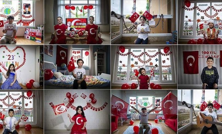 التركية تجوب شوارع إسطنبول محمّلة بهدايا الأطفال - الشرطة التركية تجوب شوارع إسطنبول محمّلة بهدايا الأطفال